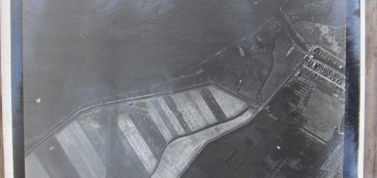 2 RAF luchtfoto' s Lage Zwaluwe