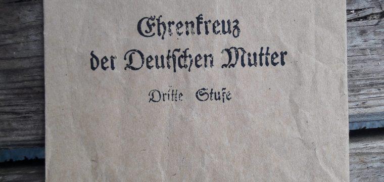Ehrenkreuz der Deutschen Mutter Dritte Stufe ( moederkruis zakje ) Deumer Lübenscheid