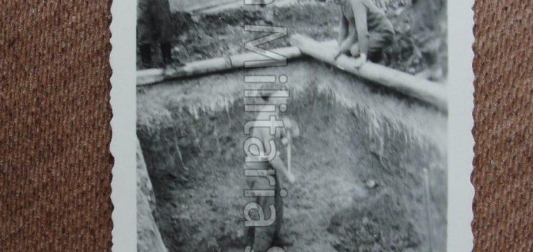 Kleinbeeld foto van werkende soldaten