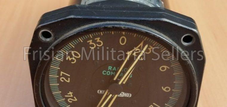 Radio compass instrument – KLM Noordzee helicopters – Bendix radio U.S.A