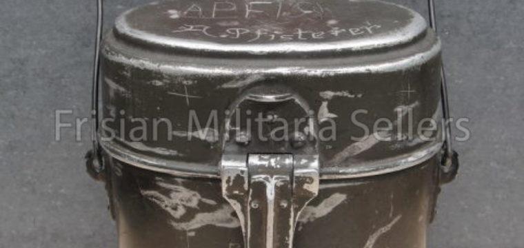 Mess Kit Model WW1 engraved with name ( WBL'28 )